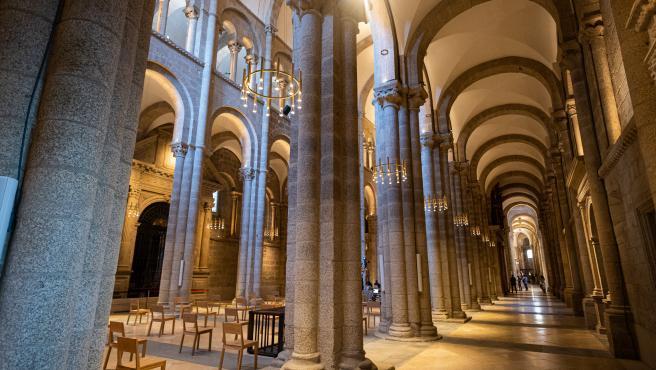 Un informe apunta que el Ayuntamiento de Santiago pagó parte de la luz de la Catedral durante 50 años sin convenio
