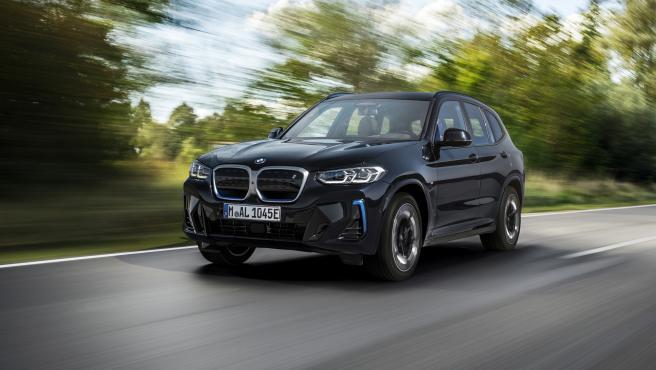 BMW iX3 2021.
