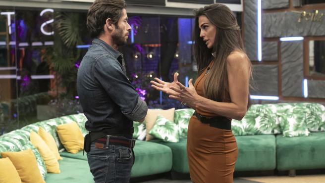 Canales Rivera y Cynthia Martínez, en la casa de 'Secret Story'.