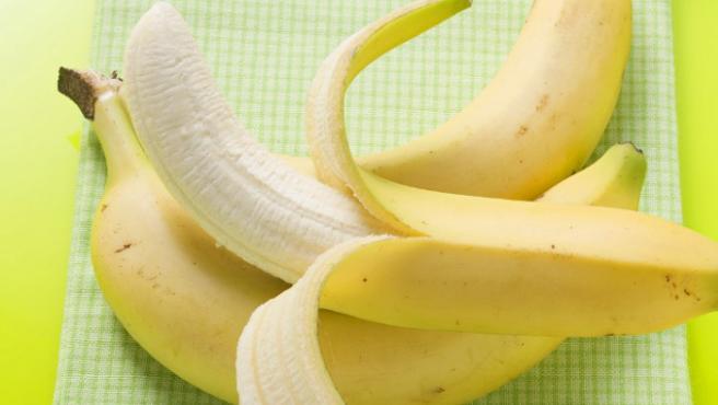 Imagen al detalle de dos plátanos.