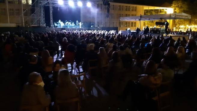 San Mateo ofrece mañana Gigantes y Cabezudos, teatro en el Bretón y conciertos