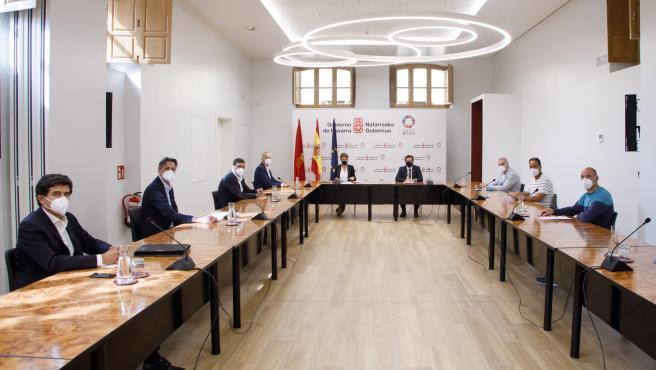 """Gobierno foral, VW Navarra y comité de empresa """"sientan las bases para afianzar el futuro"""" de la planta de Landaben"""