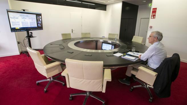 O vicepresidente segundo e conselleiro de Economía, Empresa e Innovación, Francisco Conde, participa por videoconferencia na Mesa sectorial de Automoción.