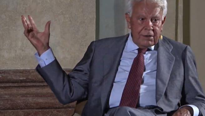 Felipe González, durante su intervención en Cádiz en el ciclo 'Reencuentros' de la Fundación Cajasol.