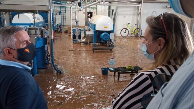 Yolanda García Seco visita Arroyo de San Serván para conocer el alcance de los daños de las inundaciones