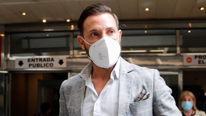 Antonio David Flores, a su llegada al juicio contra la Fábrica de la Tele, el pasado 7 de septiembre.