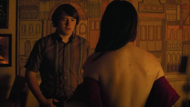 Cooper Hoffman en el tráiler de 'Licorice Pizza', la nueva película de Paul Thomas Anderson.