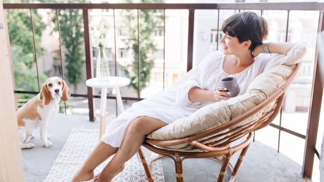 Relajarse en la terraza es de las mejores formas de disfrutar del exterior en casa.