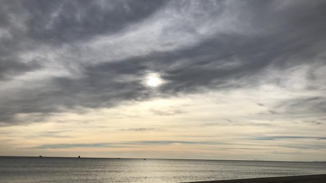 El lunes arranca en la Comunitat con mínimas inferiores a 15º en las tres capitales y vientos de 60 km/h en Castellón