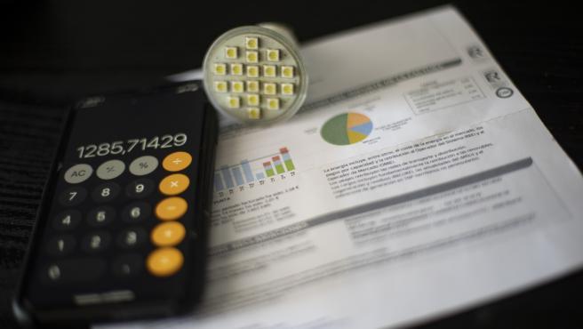 Una factura de luz, en una foto de archivo.