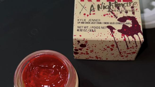 Tinte de labios y mejillas de la colección 'Kylie x A nightmare on Elm Street'.