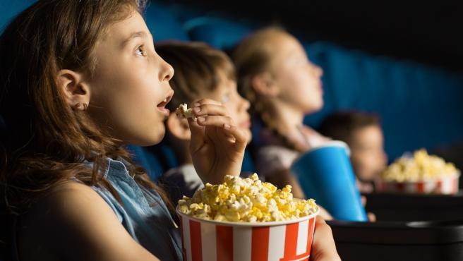 EZAE, NAECE y FECE pedirán medidas cautelarísimas tras la prohibición del Gobierno Vasco de comer en las salas de cine