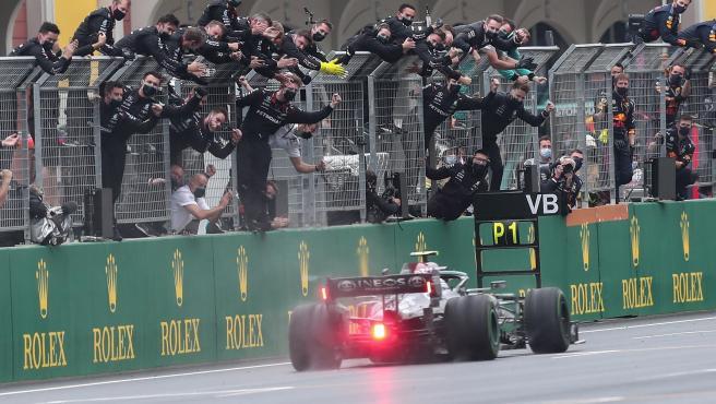Valtteri Bottas gana el GP de Turquía
