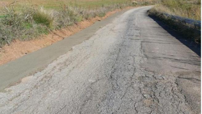 La Diputación iniciará un plan de mejora del asfalto y eliminación de baches en 22 carreteras provinciales