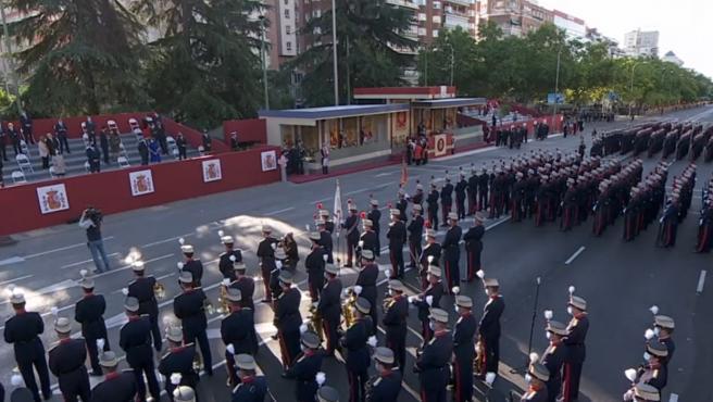 Vista general del palco real momentos antes del inicio del desfile militar.