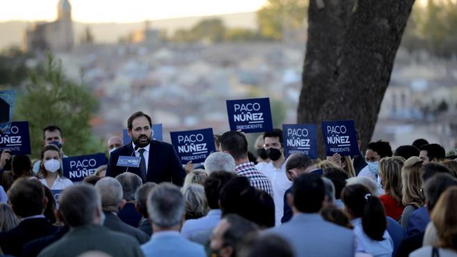 Centenares de simpatizantes arropan a Núñez en la presentación de su candidatura para renovar su liderazgo en PP C-LM