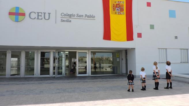 El Colegio CEU San Pablo, en Bormujos, conmemora con unas jornadas educativas el Día de la Fiesta Nacional