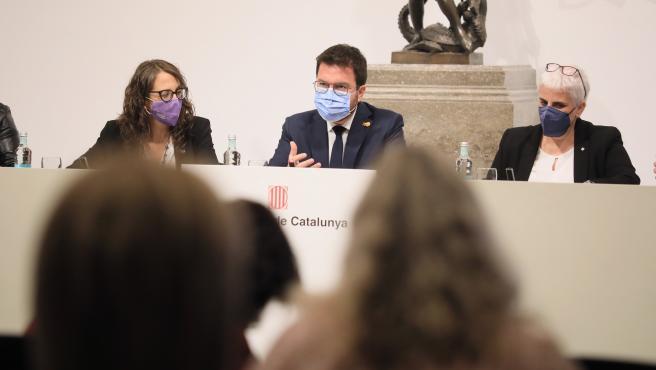 """El Govern presenta un protocolo contra feminicidios que identifica situaciones """"revictimizantes"""""""