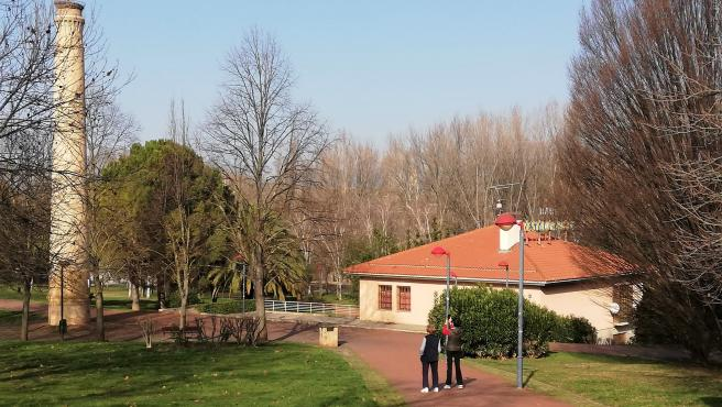 """La UPL abrirá """"de inmediato"""" nueva sede en el edificio de la Chimenea del Parque del Ebro tras cedérselo el Ayuntamiento"""