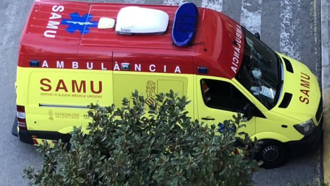 Sucesos.- Seis heridos, entre ellos dos niñas de 9 años, tras chocar dos coches en Elx