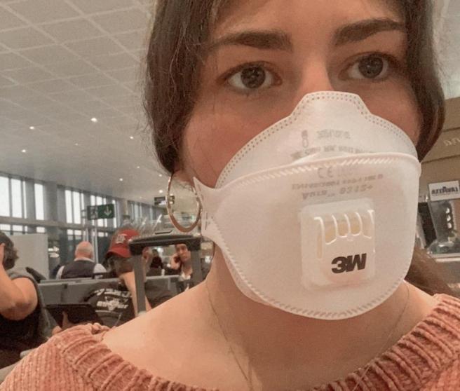 Rosa López, una de las pasajeras españolas en el aeropuerto de Málaga.