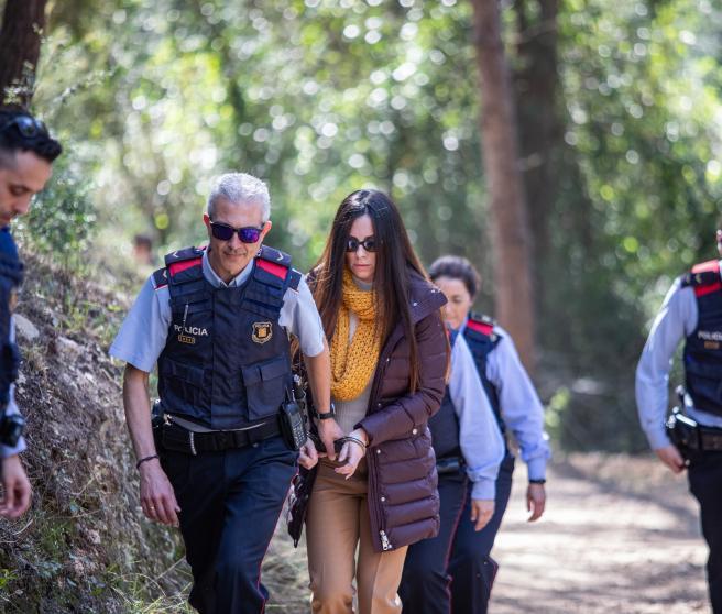 La comitiva judicial del crimen de la Guardia Urbana acude a la inspección ocular de la casa de la acusada Rosa Peral en Cubelles (Barcelona), a 24 de febrero de 2020.