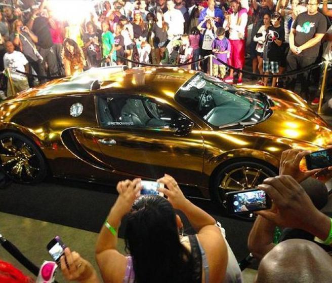 Bugatti Veyron dorado de Flo Rida
