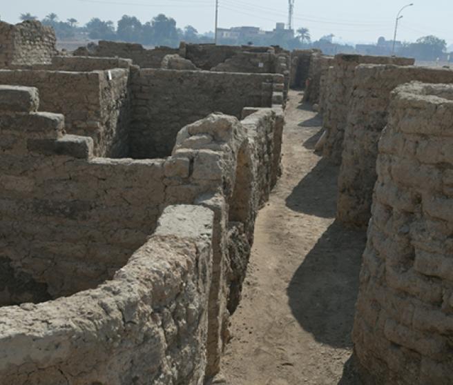 Calles de la 'Ciudad perdida' de Luxor