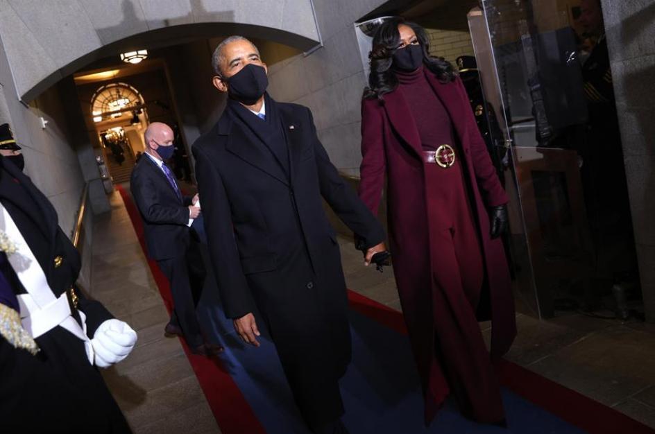 Los Obama llegan a primera hora de la mañana al Capitolio para participar en el acto de investidura del presidente electo Joe Biden.