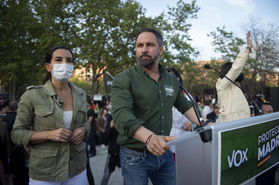 "Abascal acusa a Iglesias de enviar al mitin de Vallecas ""a sus matones a sueldo para atacar a la Policía y a Vox"""