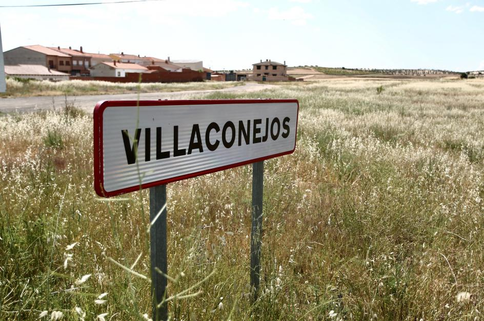 Entrada a Villaconejos.