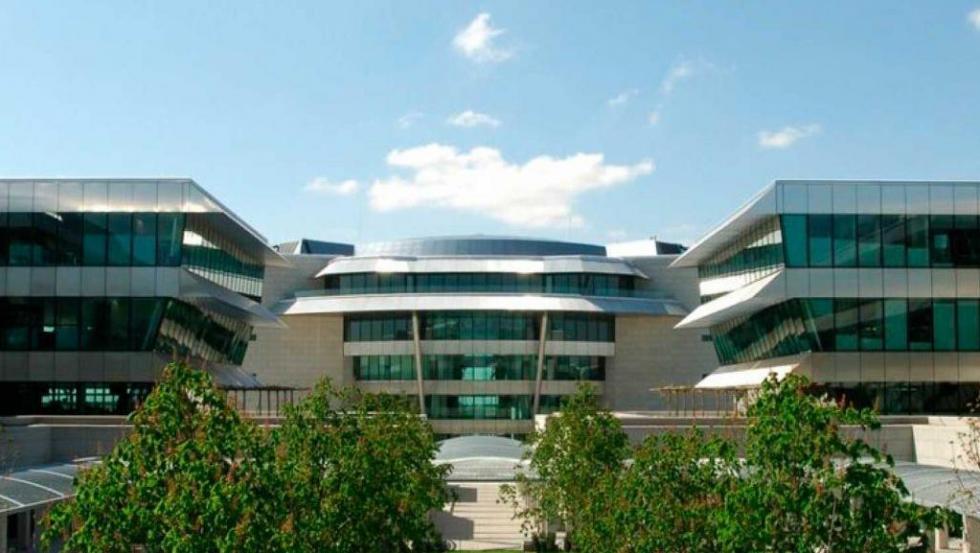 La Fundación Banco Santander colabora con instituciones como el Museo de Arte Reina Sofía, el Museo de Ar't Contemporani de Barcelona o el centre d'Art La Panera, entre otros.