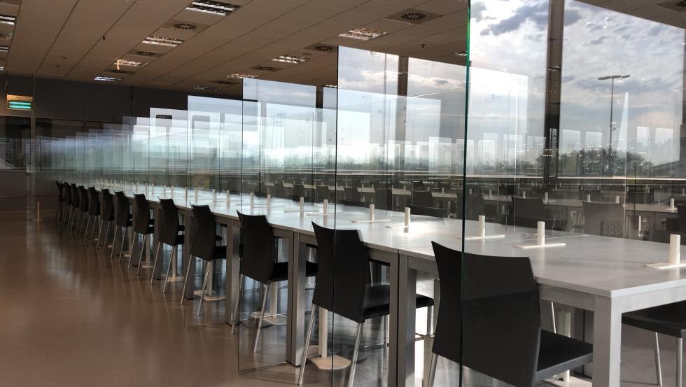 Las mamparas de vidrio de Ariño Duglass no requieren de montaje ni instalación.