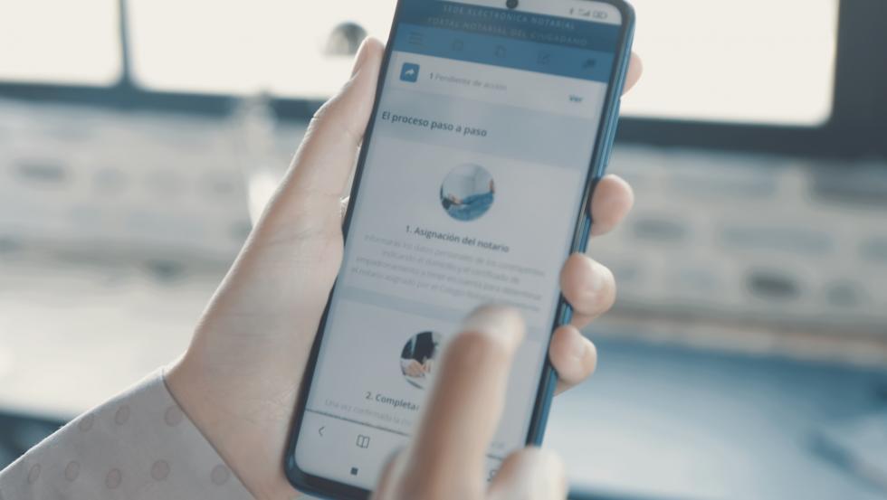 Se puede acceder al Portal Notarial del Ciudadano desde el móvil.