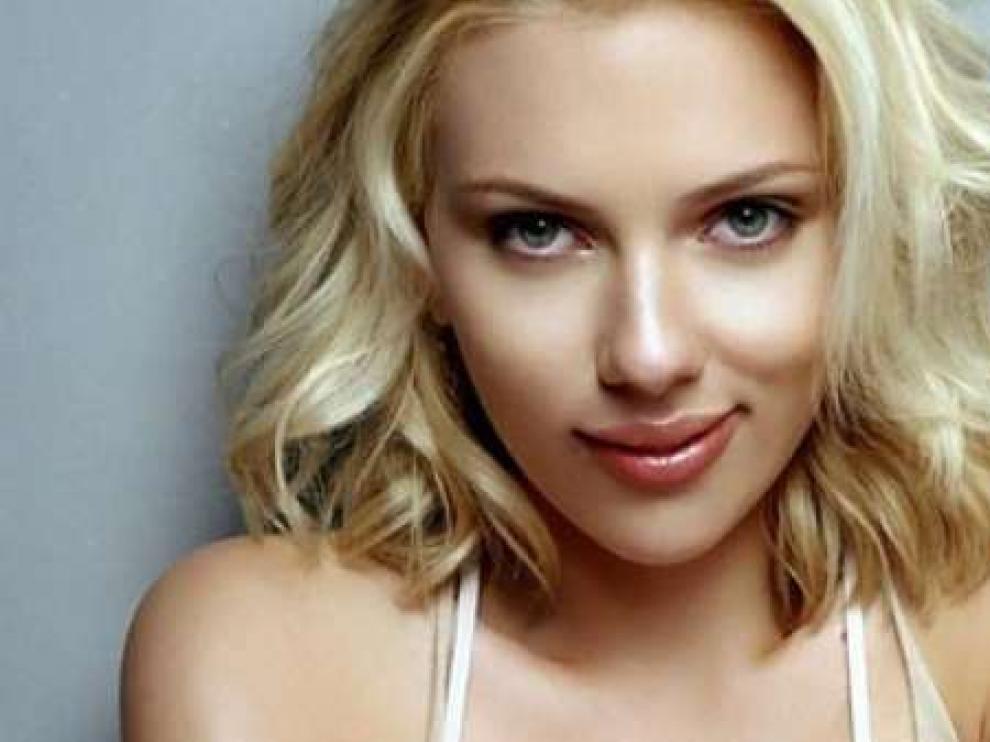 La belleza de Scarlett Johansson también tiene sus trucos
