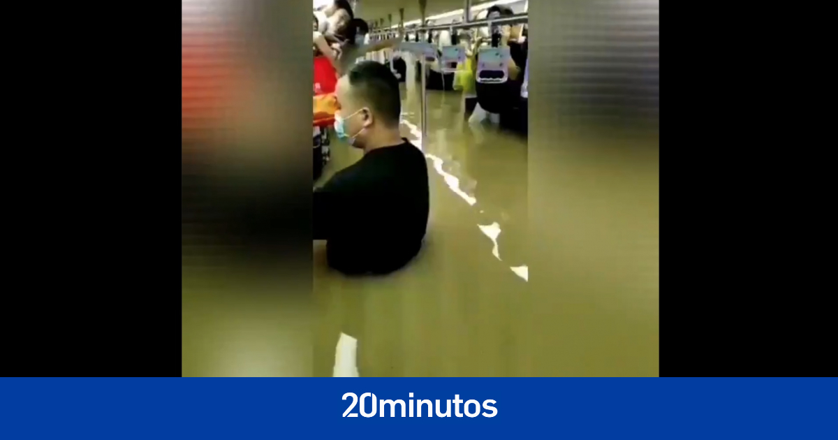 Las estremecedoras imágenes del metro inundado en Zhengzhou, China: personas atrapadas y con el ...