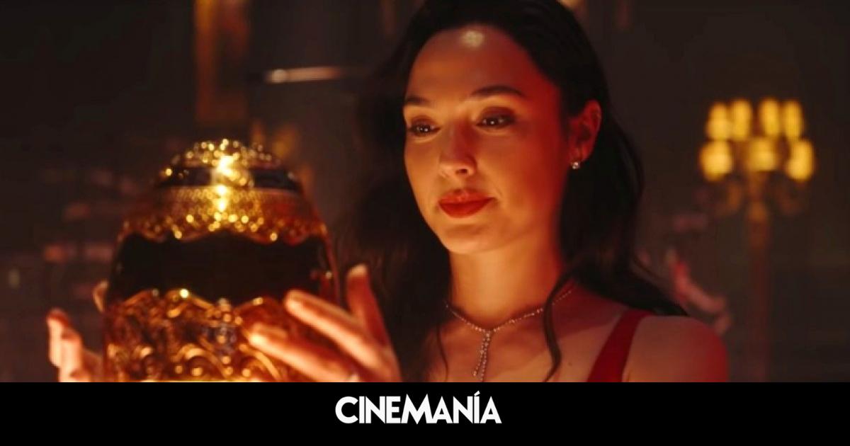 Poder de amazona: Gal Gadot le da una paliza a Ryan Reynolds y Dwayne Johnson en este clip de 'Alerta roja'