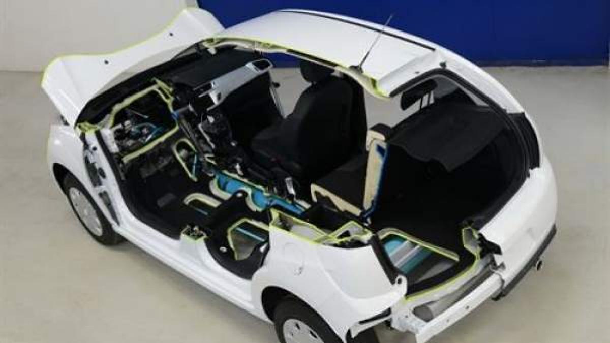 Citro U00ebn Llevar U00e1 Al Sal U00f3n De Ginebra Un C3 Con Motor H U00edbrido De Gasolina Y Aire Comprimido