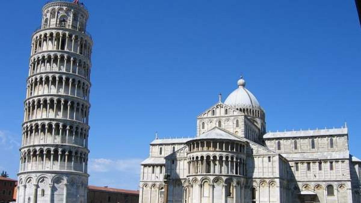 foto de La Torre de Pisa está cada vez menos inclinada