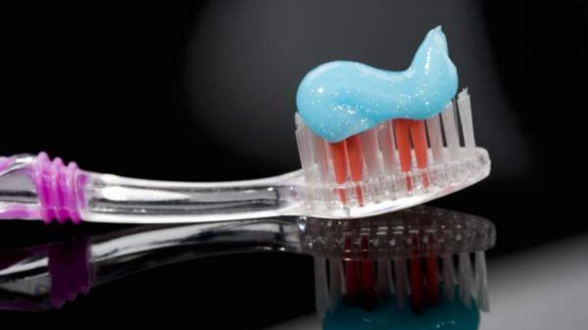 Con flúor, blanqueadoras, antisangrado.... cómo encontrar la mejor pasta para cuidar nuestros dientes