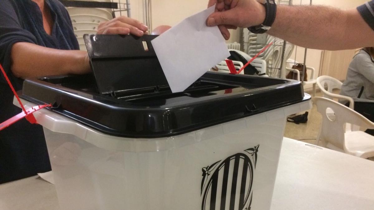 'Constitucional' o 'consultiva': semejanza y diferencias entre las dos vías que abre la ley para un referéndum sobre Cataluña