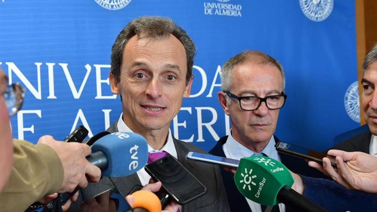 """Pedro Duque, sobre la carta de 800 profesores contra el manifiesto de las Uni catalanas: """"No me meto"""""""