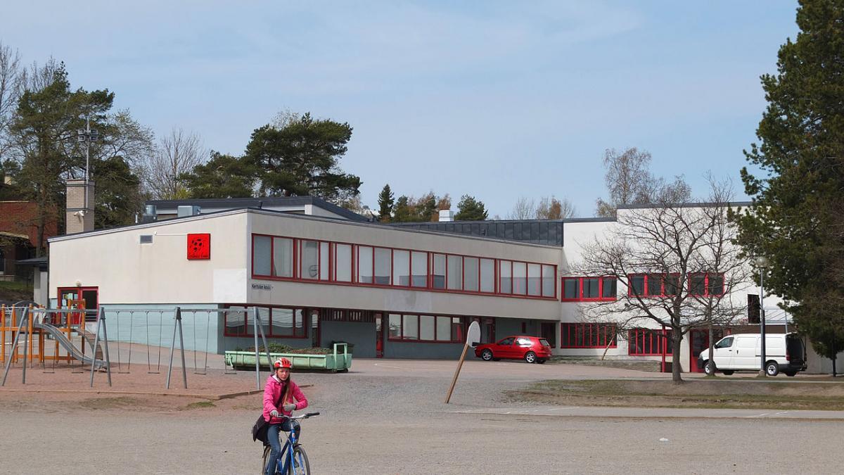 Por qué los colegios de Finlandia enseñan a escribir solo ...