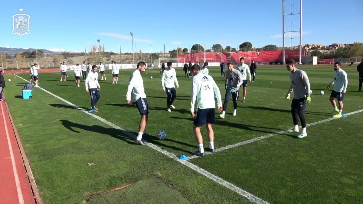 La selección española de fútbol se ejercita tras el partido contra Malta