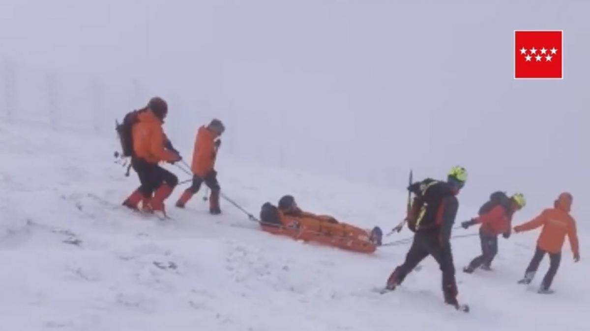 Rescatan a un esquiador tras sufrir un esguince en Navacerrada