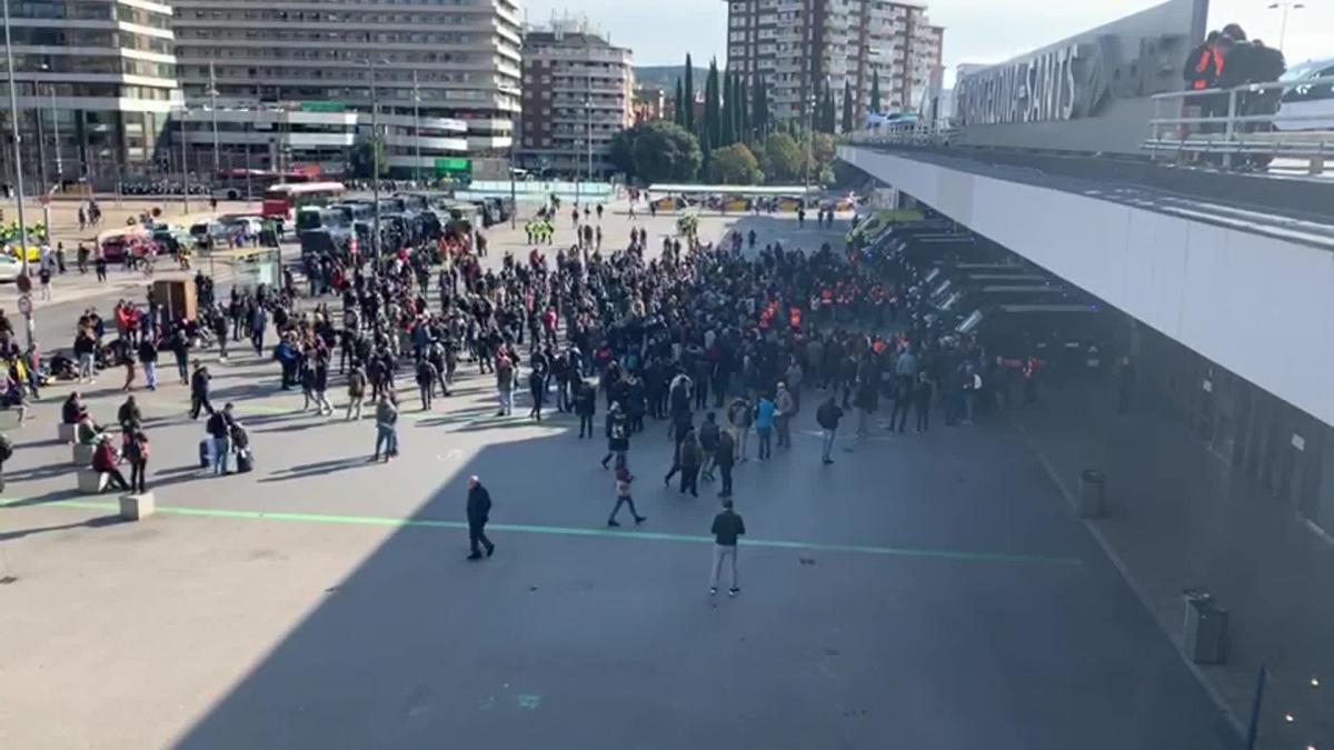 Se reduce a unos 400 el número de concentrados en Barcelona Sants