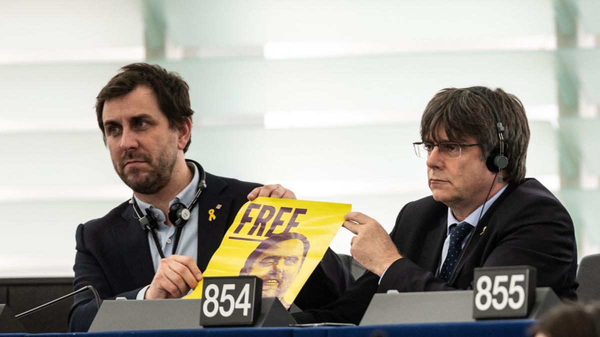 La Eurocámara anuncia el inicio del suplicatorio para retirar la inmunidad a Puigdemont y Comín