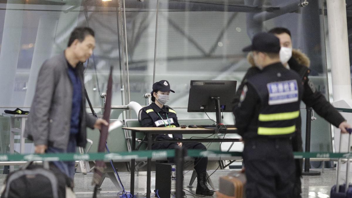 alt - https://imagenes.20minutos.es/files/og_thumbnail/uploads/imagenes/2020/01/23/china-seguridad-por-el-coronavirus.jpeg