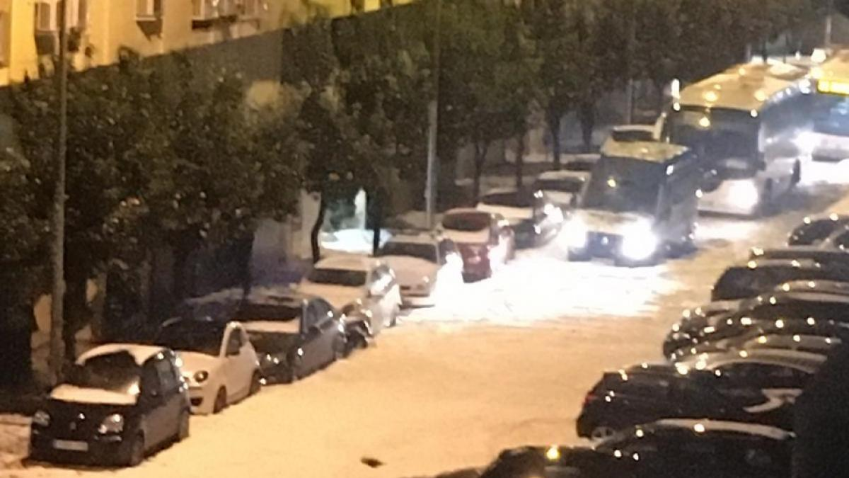 alt - https://imagenes.20minutos.es/files/og_thumbnail/uploads/imagenes/2020/01/23/imagen-de-una-calle-de-malaga-afectada-por-las-fuertes-lluvias.jpeg