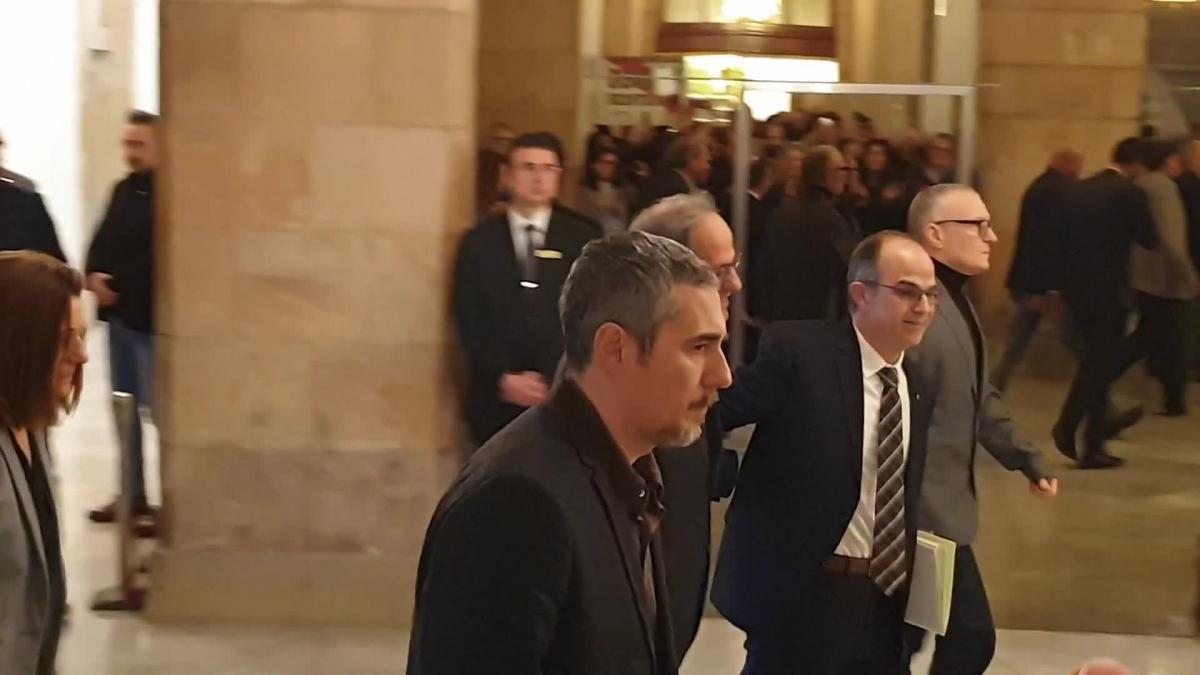 Torra y Torrent reciben a los políticos presos